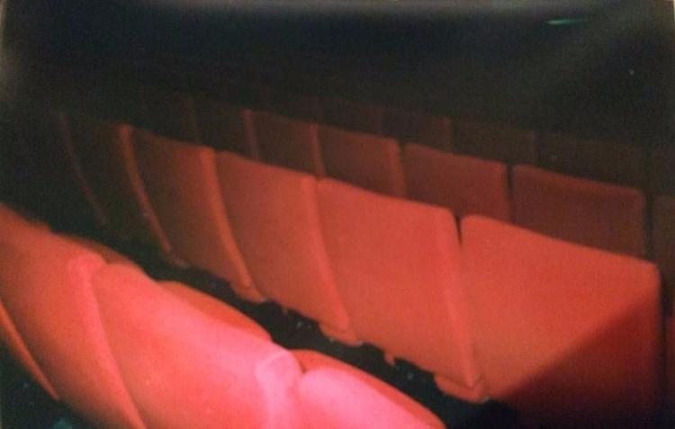 Comoedia - ishootfilm, analog, 35mm - chloe_triaire | ello