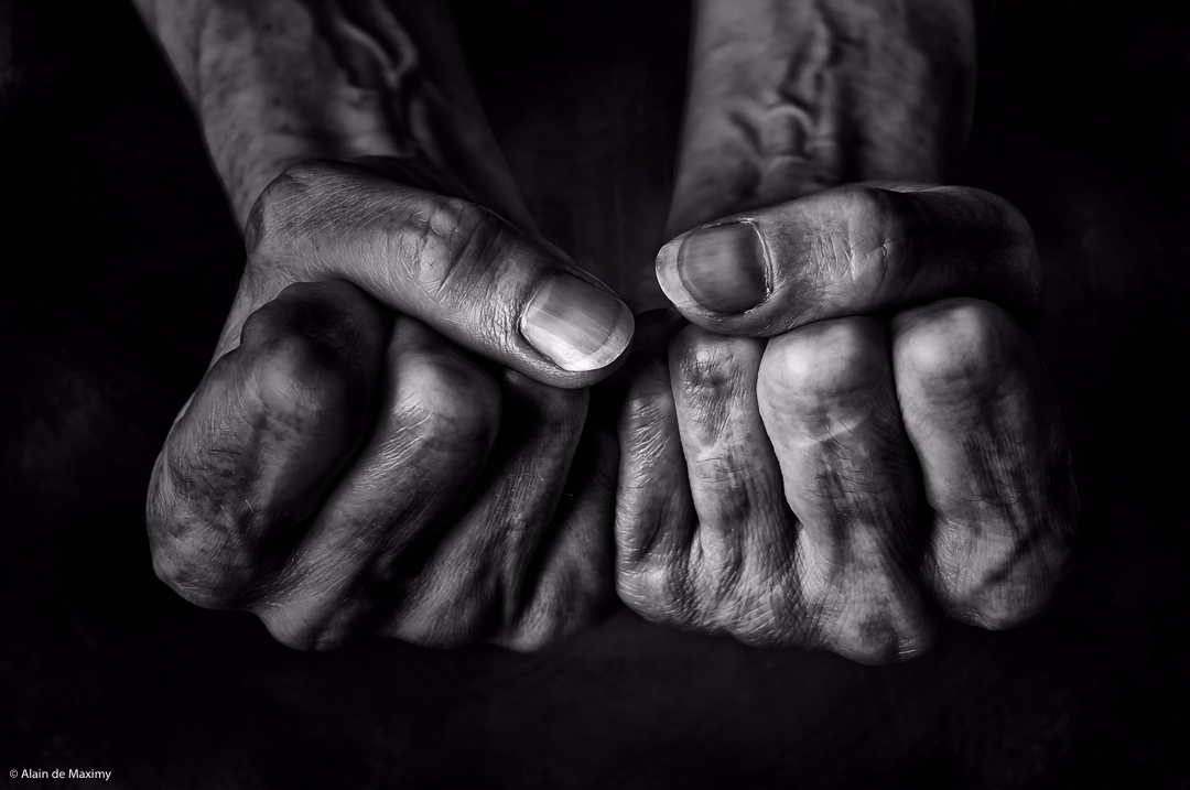 Fists - blackandwhite, photography - maximy | ello