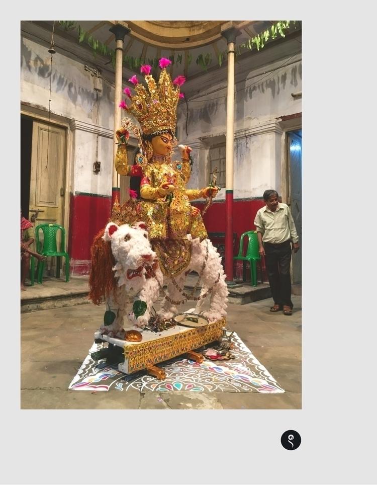 Kolkata Bonedi Barir Jagadhatri - isukantapal | ello