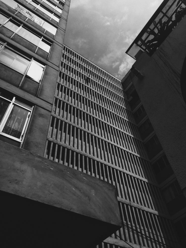 Contrast - architecture, perspective - paulomartinez | ello