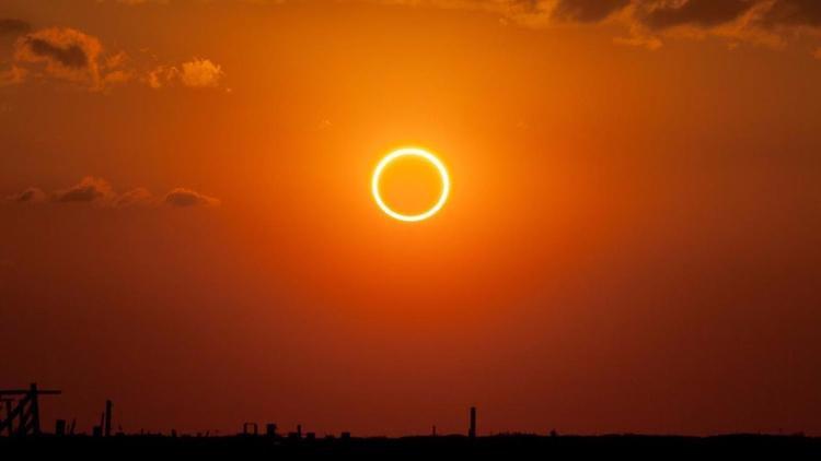 «El Sol la Luna dejaron de move - codigooculto | ello