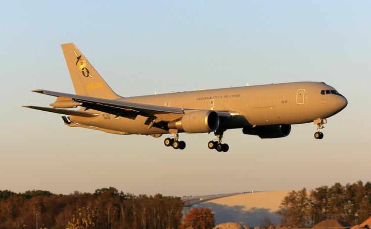 KC-767A, Italian Air Force, MM6 - mathiasdueber | ello