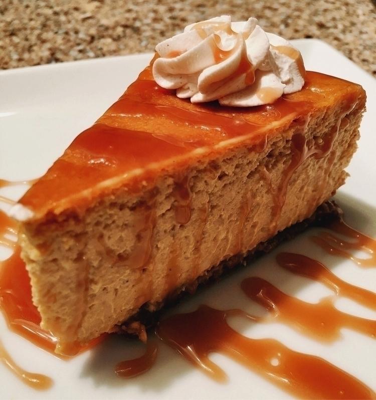 Pumpkin Cheesecake cinnamon whi - cherrybomba | ello
