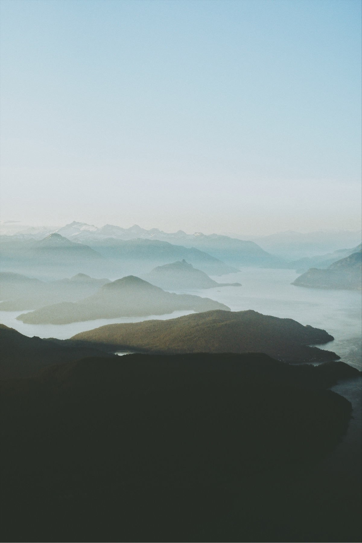 warm sunset Howe Sound. Vancouv - davidarias | ello