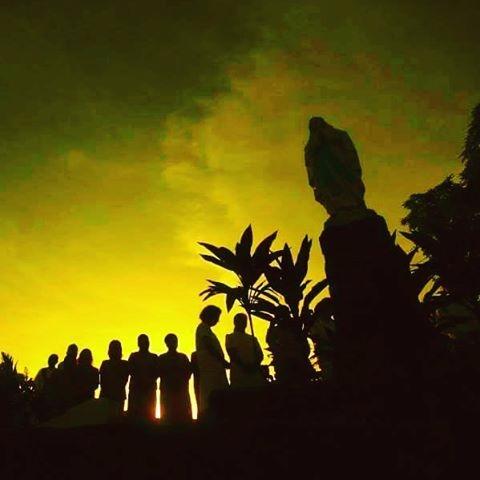 Peaceful Morning Himlayang Kato - vicsimon   ello