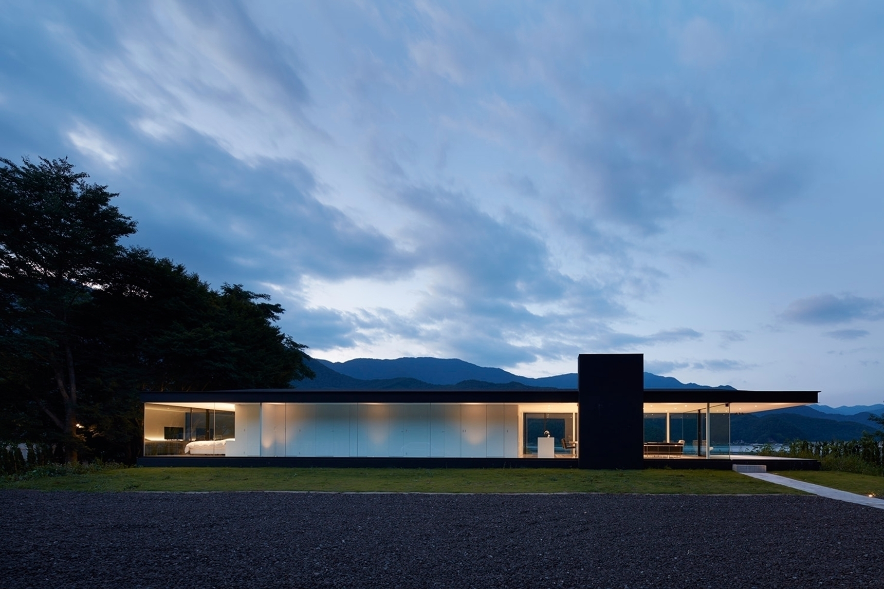 LAKESIDE HOUSE Shinichi Ogawa A - thetreemag | ello
