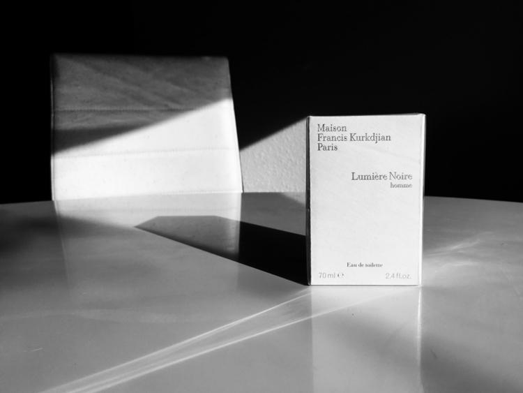 Lumière Noire. fascinated rando - hermes3s | ello
