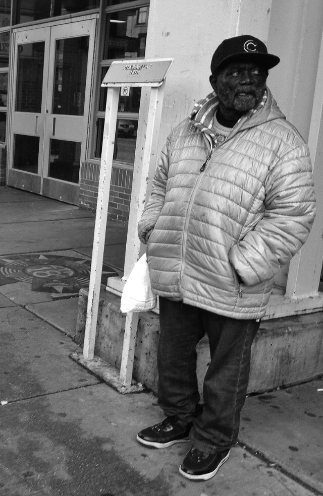 Waiting - Pilsen, Chicago, Blackandwhitephotography - davidjdeal | ello