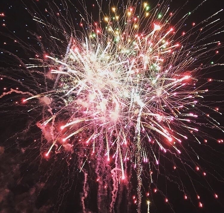 Bonfire Night - angela_vardanian | ello