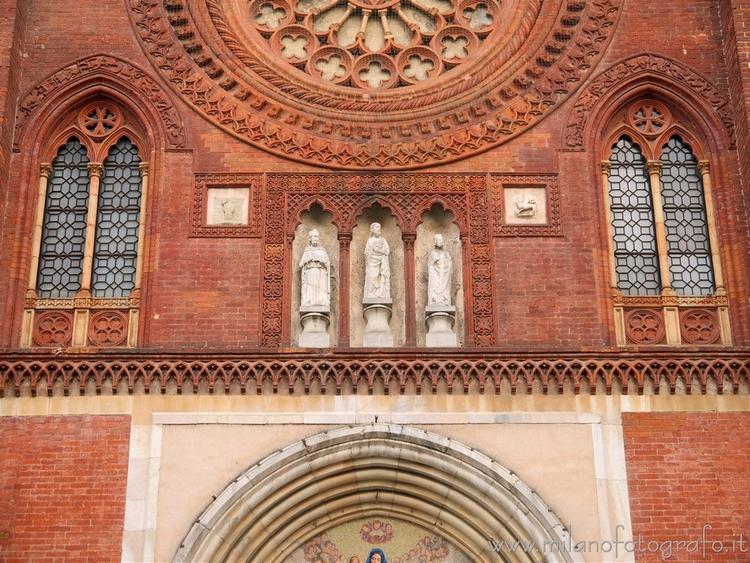 Milan (Italy): Detail facade Ba - milanofotografo   ello