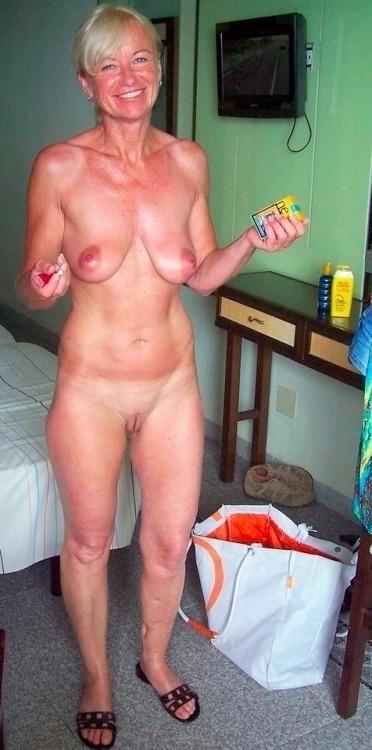 baatcrazy, milf, granny, tits - big_floater | ello