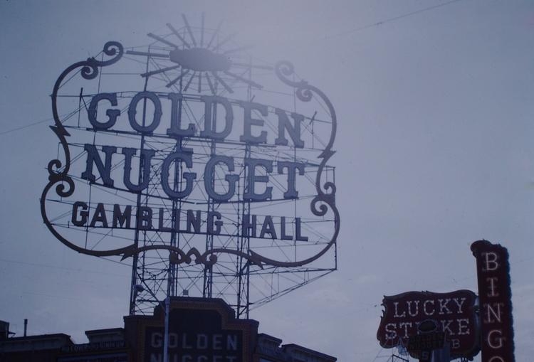Photo - Golden Nugget Gambling  - marksusina   ello