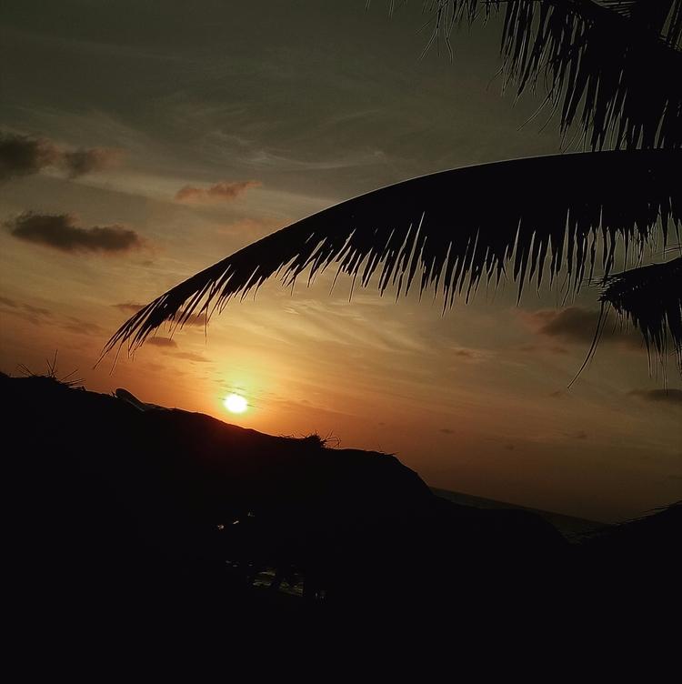 Sunset favorite part day - Travel - rheaiyah | ello