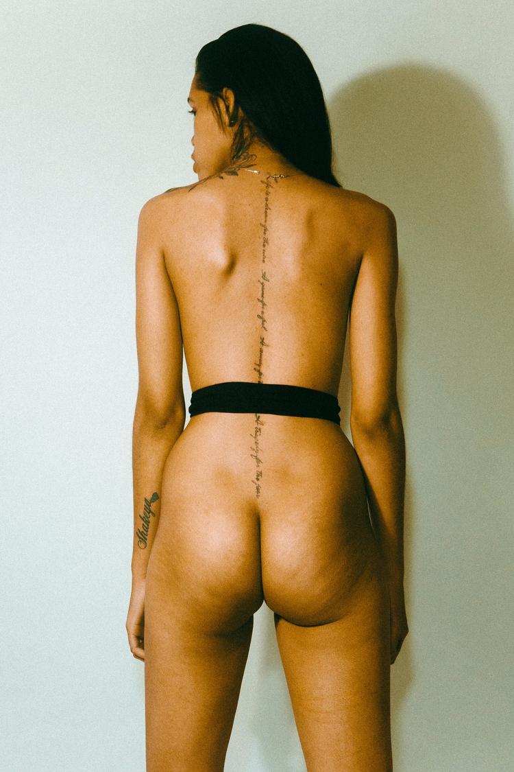 Mumu BODYZINE - bodyzine, photography - vonxmitch | ello