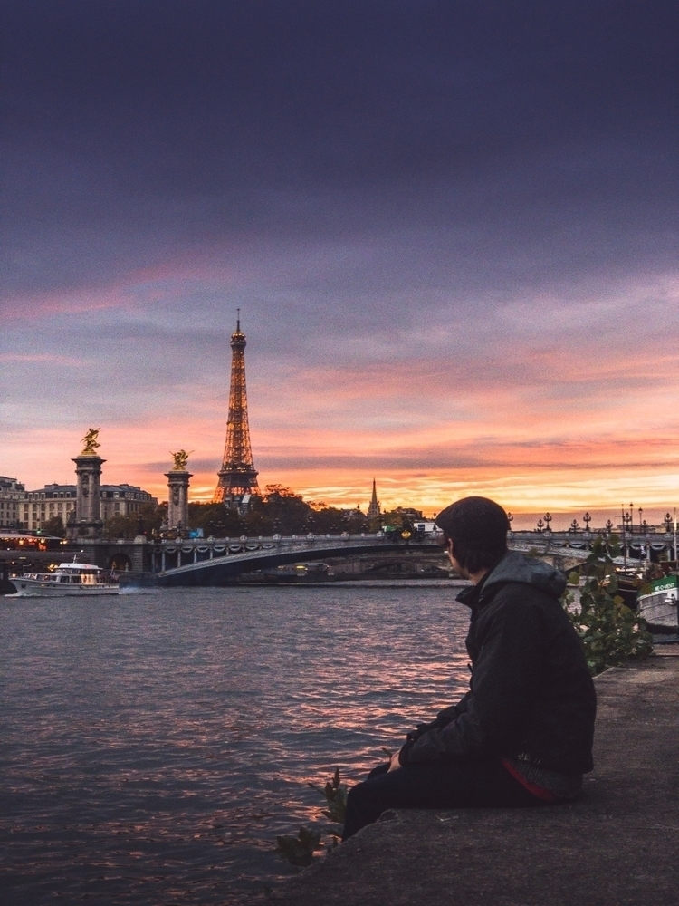 night Paris greeted nice sunset - charlespacque | ello