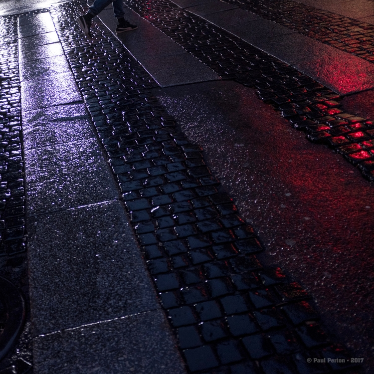Wet evening crossing, Oslo Stre - paulperton | ello