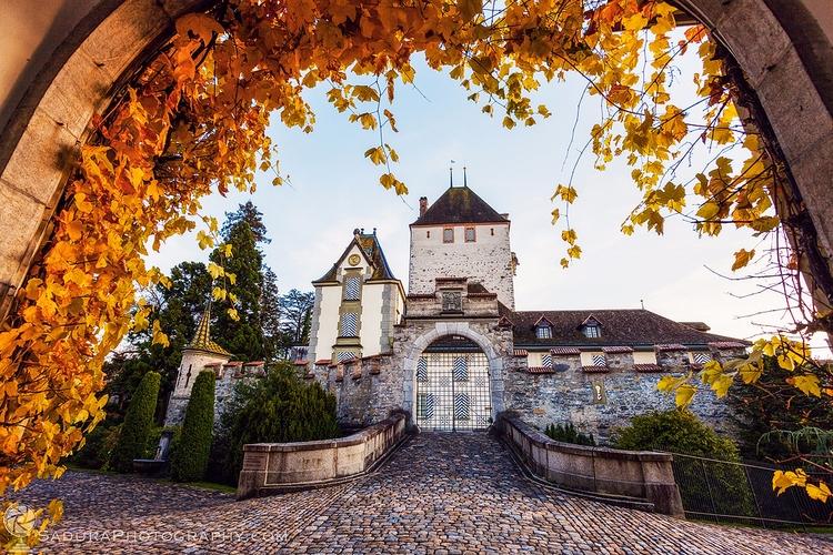 Oberhofen Castle Lake Thun Ober - hsphotos | ello
