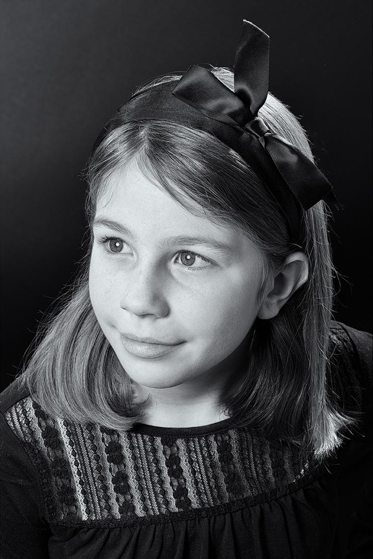 niece - girl, family, smile, bw - stephanepictures | ello