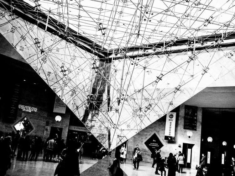 pyramid contrast - louvre, paris - deanmcleod | ello