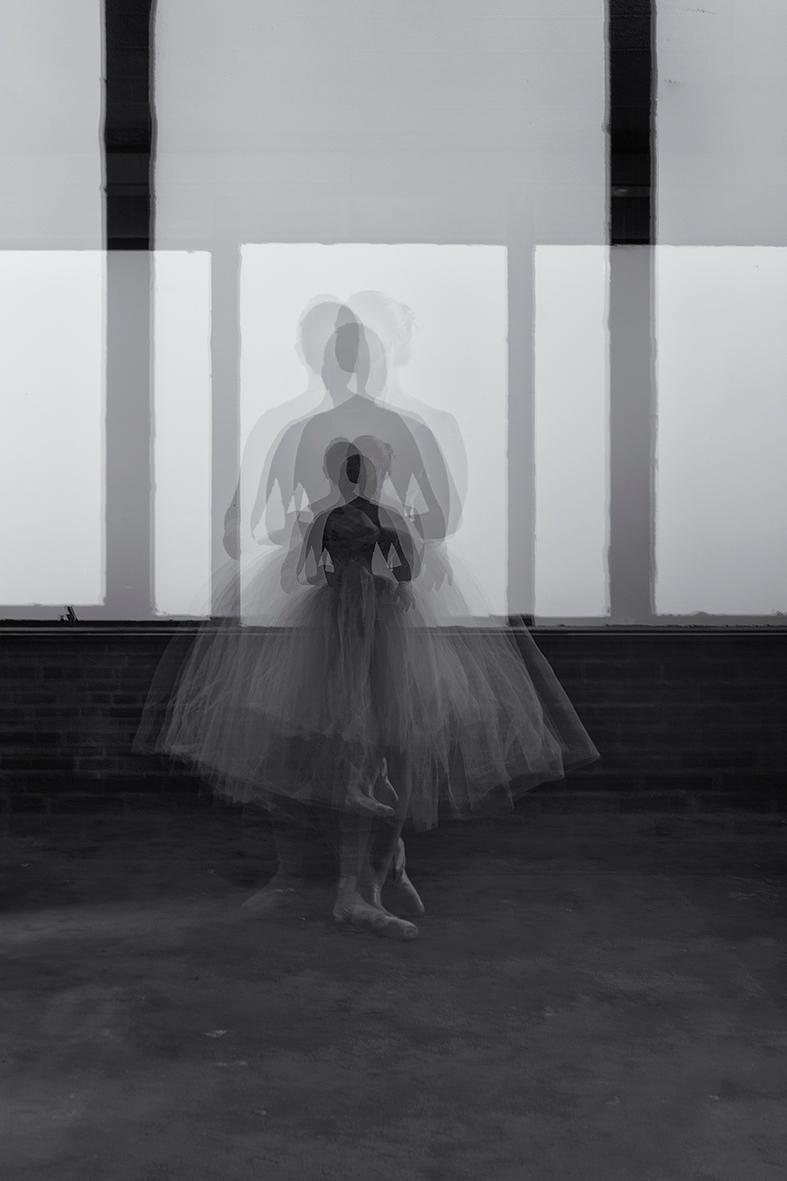 Ballerina dreams. Live dream. t - mauriliers | ello