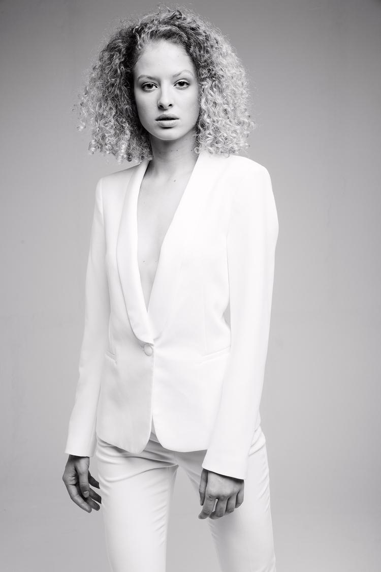 Nya Dominique Models - studiophotography - fabriziodepatrephotographer | ello