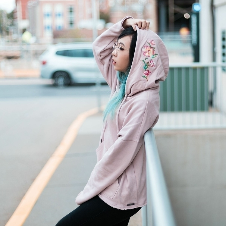 waiting weekend - fashion, blogger - nessa_siri | ello