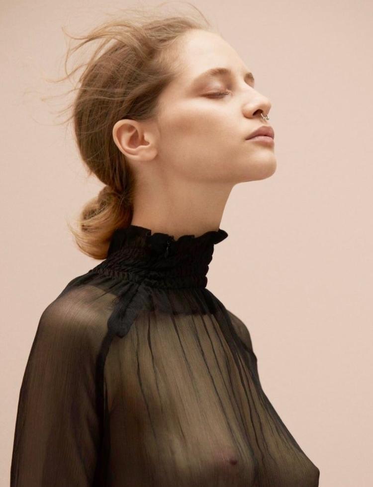 Melina Gesto Julia Noni Vogue G - jc-arts | ello