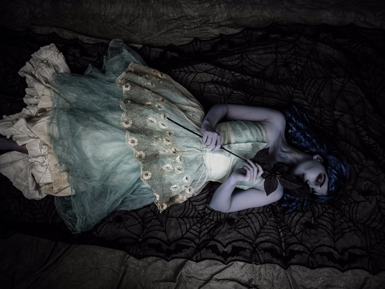 blackandblue, cosplay, corpsebride - akinokitsune | ello