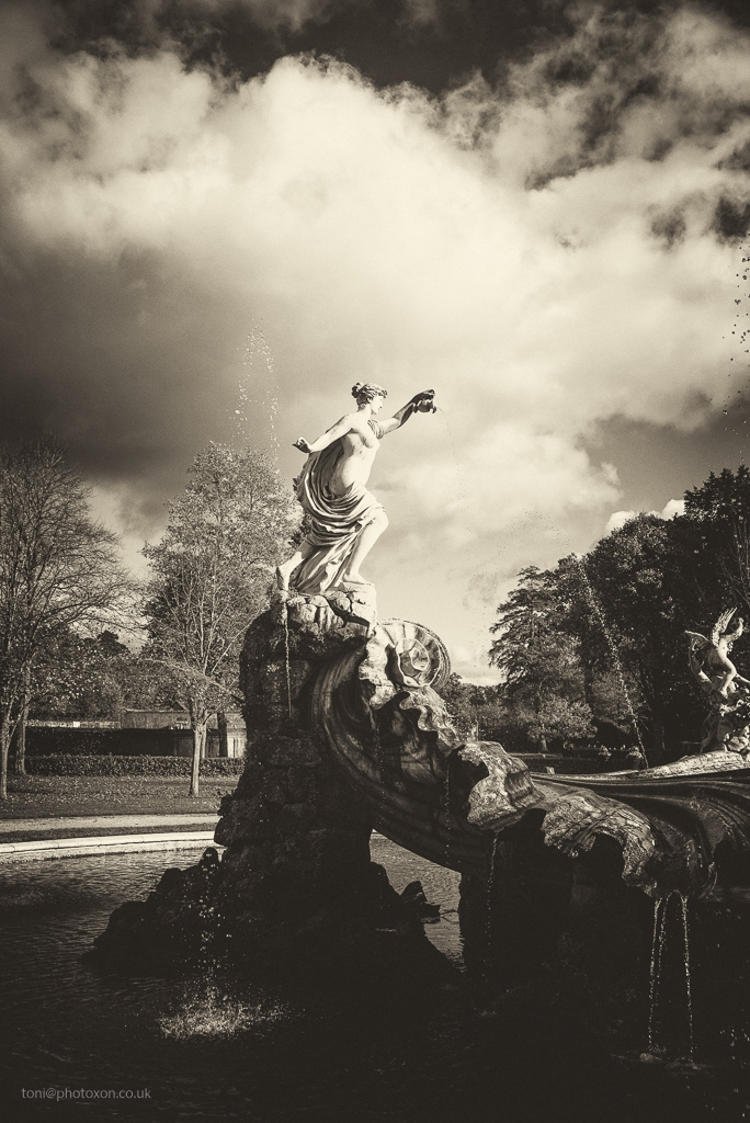 Cliveden fountain - nationaltrust - toni_ertl | ello