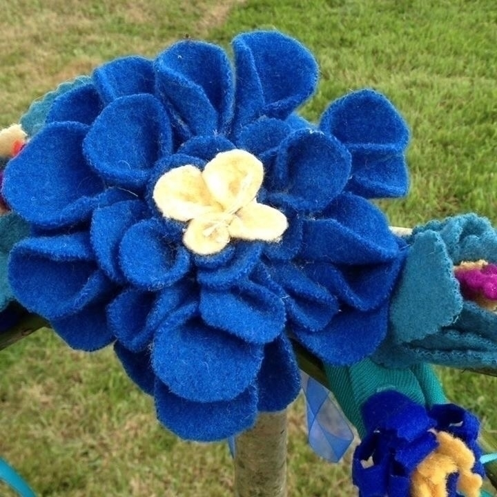Bespoke wool silk flower garlan - sussexpsychic | ello