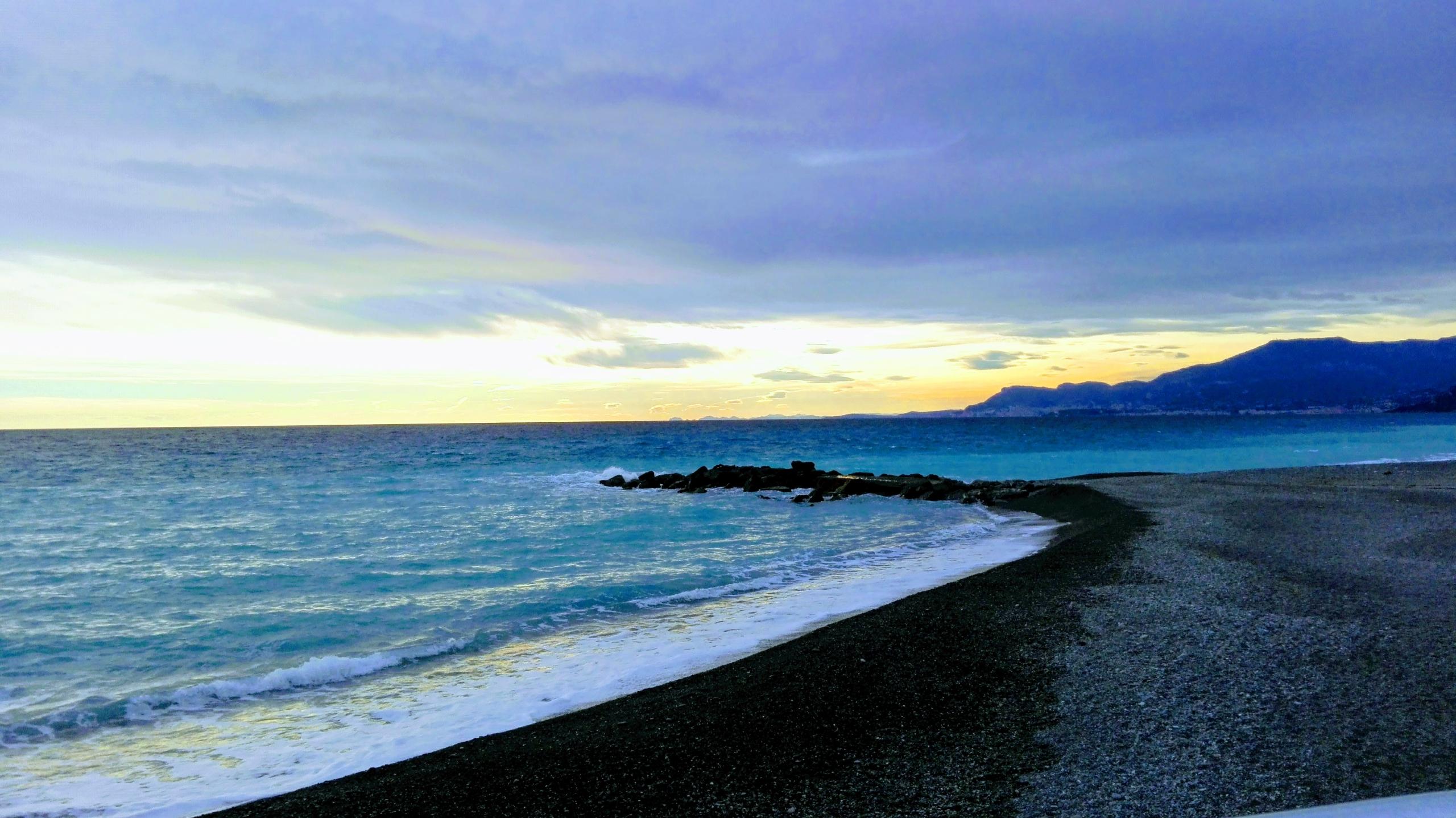 beach November, overlooking - Sanremo - sanftekuss | ello