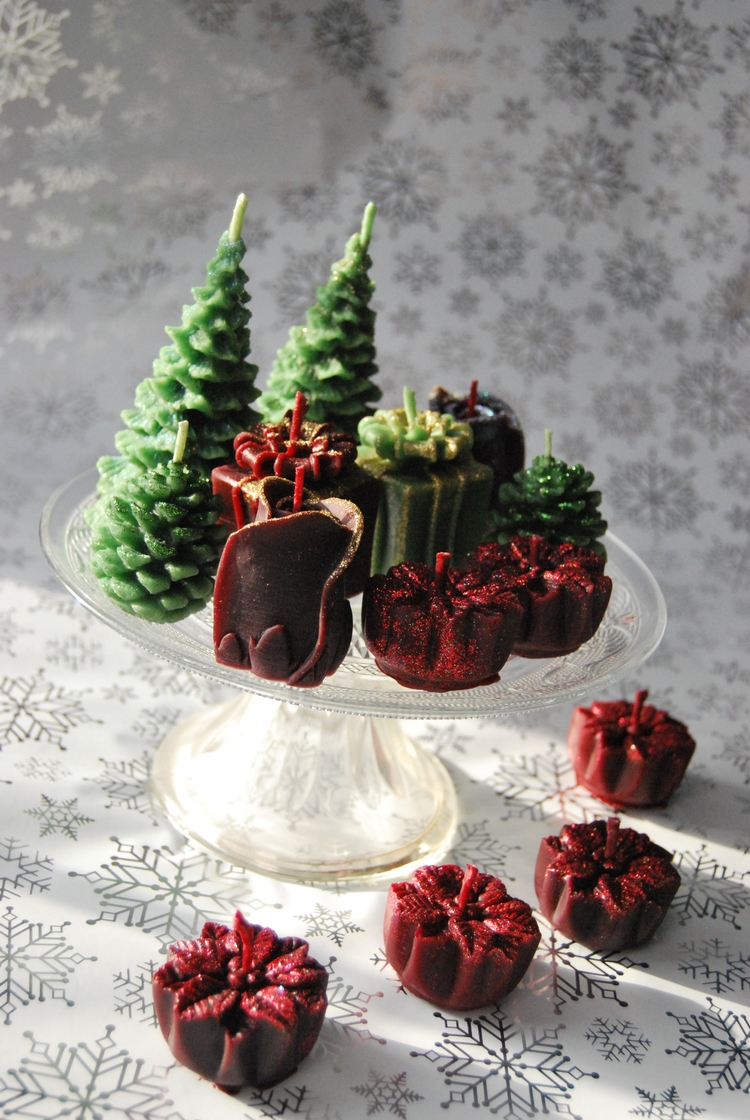 Christmas candles - beeswax, christmascandles - rainbowsendcreations | ello
