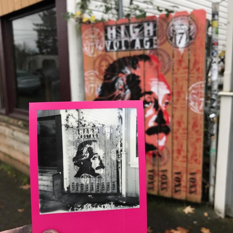 Voxx Romana street art 2017 - P - voxxromana | ello