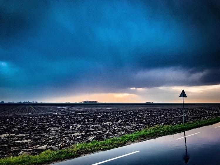 stormy, dutch, fields - phillowry   ello