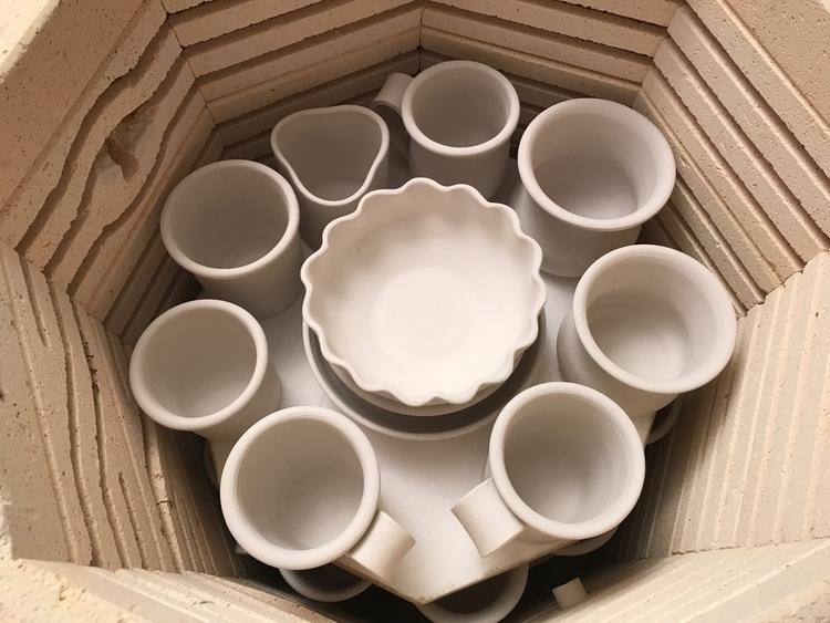 kiln full lots fun stuff wait g - pearsonspottery | ello