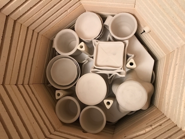 emptying kiln starting wax resi - pearsonspottery | ello