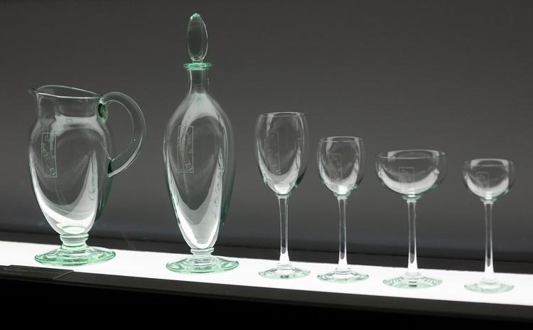 Bel ensemble de verres carafes  - gclavet | ello