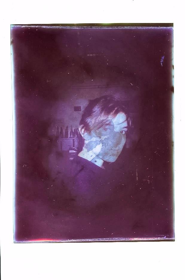 Chemical reactions polaroid fil - disintergrati0n | ello