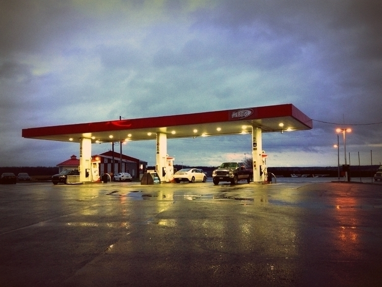 Vankleek Hill, Ontario - photo, gas_station - dispel | ello