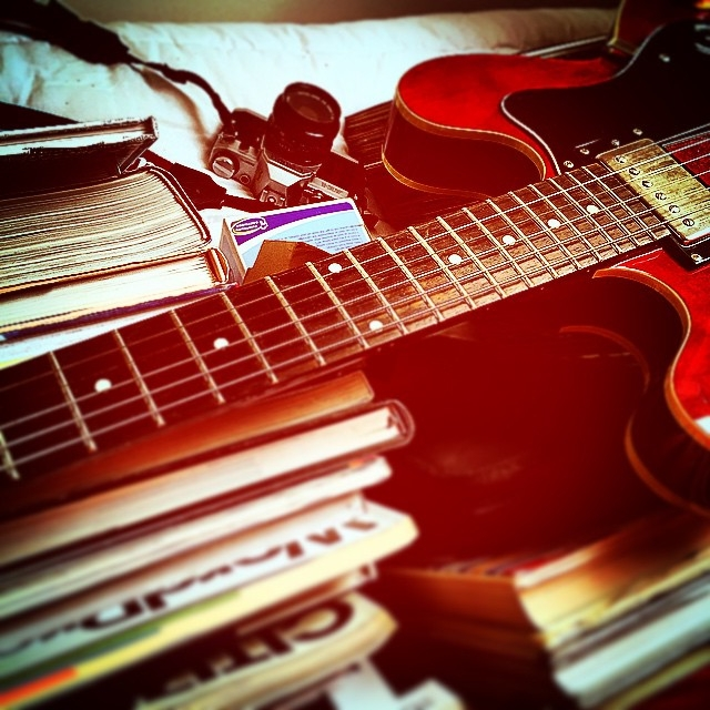 guitar, books, camera, electic-guitar - guiville | ello