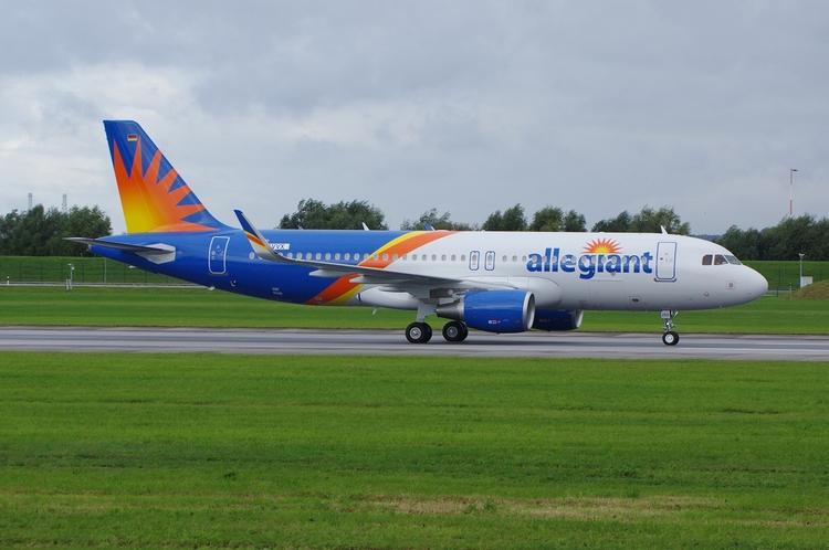 Allegiant, A320amburg-Finkenwer - brummi | ello