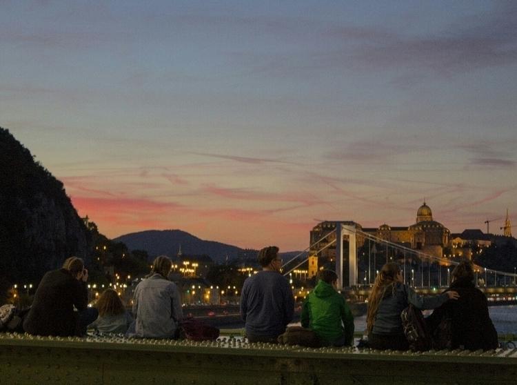 budapest, sunset - oriandras | ello