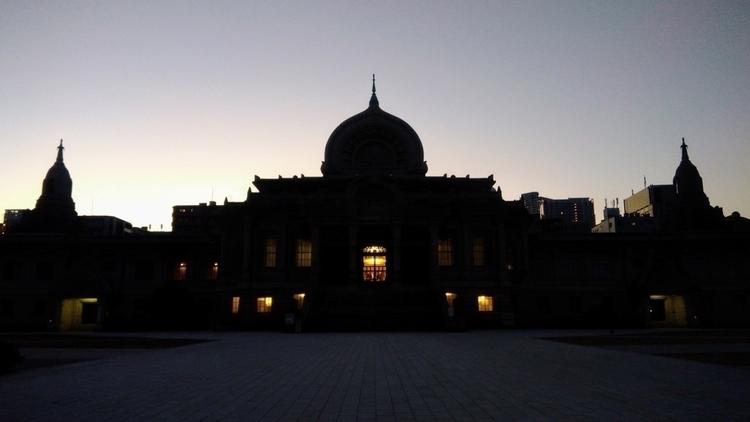 City sunrise - ittyashikagahisataka | ello