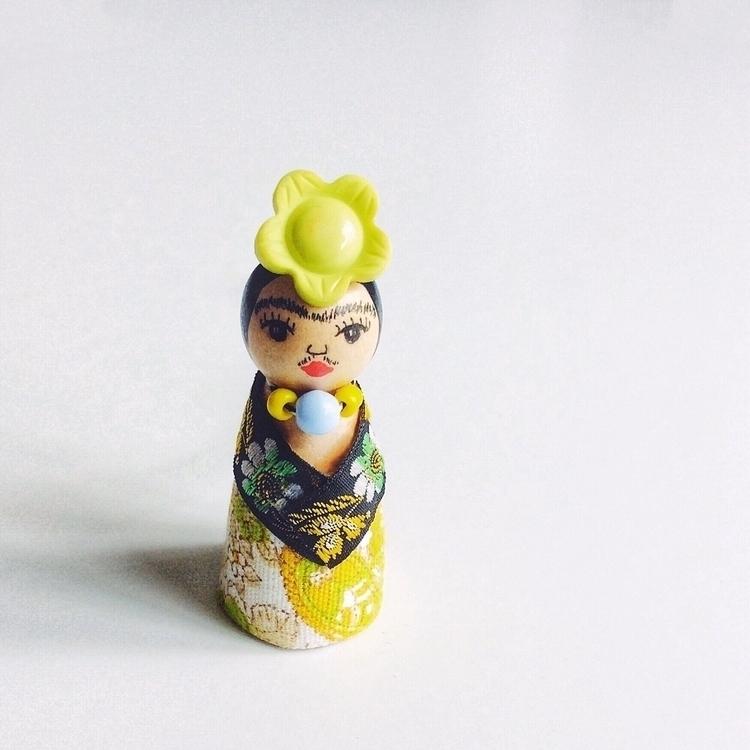Frida Kahlo peg dolls Diego) sh - alittlevintagedoll | ello