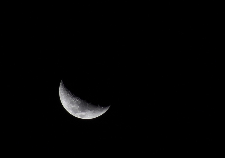 Moon, 2017 - Lua, Luna, CanonT6 - chandelierbensberg   ello