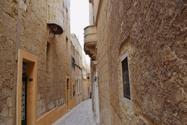 Trejqa ġewwa - Malta - photography - sarahpisani | ello