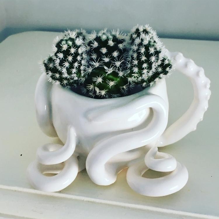 Handmade ceramic - pottery, octopus - livingdecortwins | ello