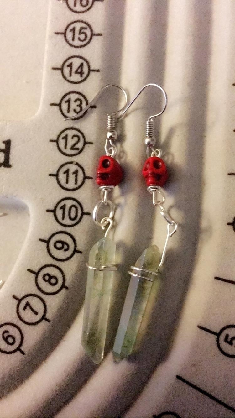 finished cute skull earrings! t - bodycandybycarlie | ello