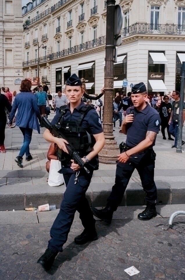 Paris, 2017 looked shot - film, 35mm - jencuenco | ello