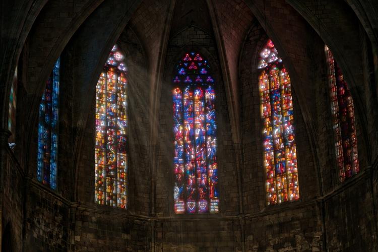 churches Barcelona Starbucks - cathedral - rickschwartz   ello
